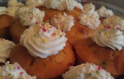 Light Carrot-Pistachio cupcakes