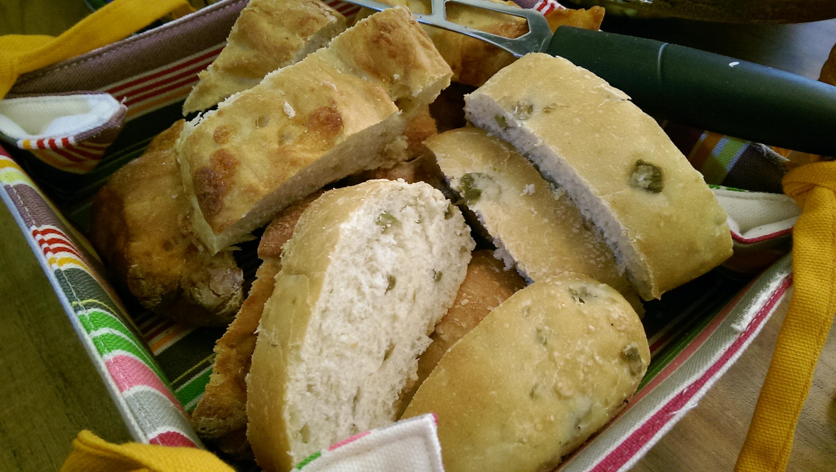 Wholegrain Bread gives you, Energy    نان پر غلات بهتون انرژی میده