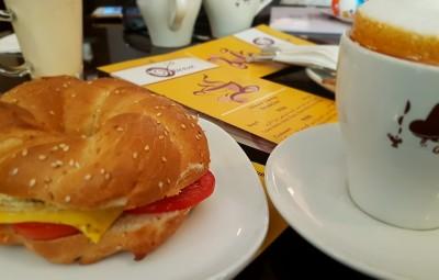 http://cafe-viuna.com/fa/